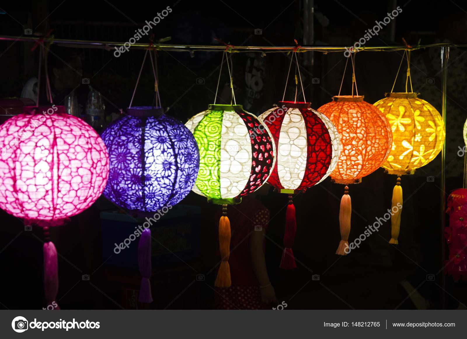 Lanterna Illuminazione : Appeso varietà di carta colorata lampada e lanterna illuminazione