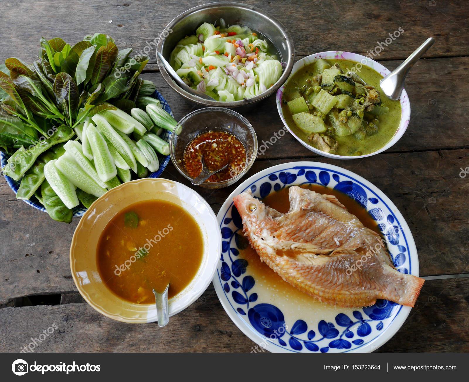 Conjunto de alimentos de cocina de comida tradicional de estilo ...