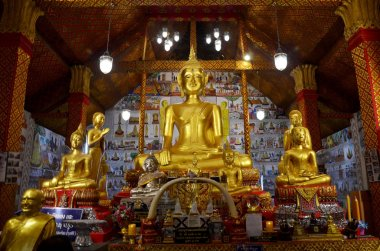 Golden Big Buddha statue for people praying and respect for bles