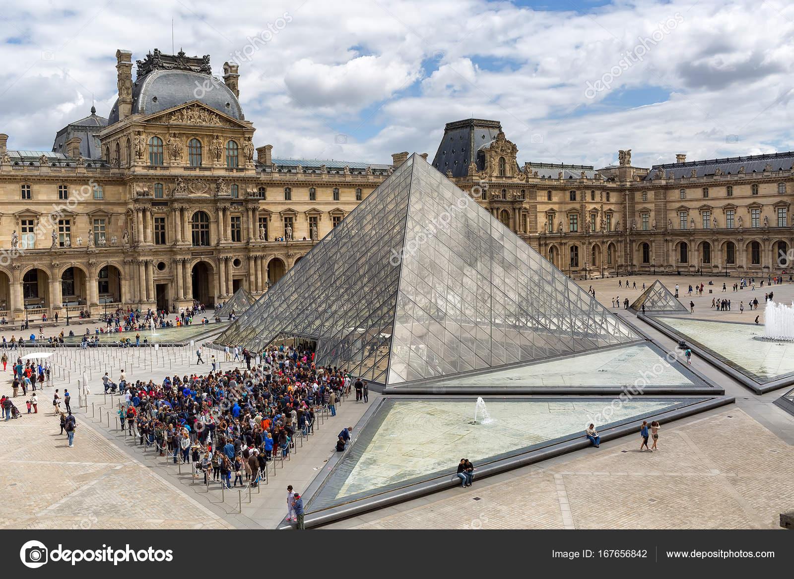 Symbolik im Allgemeinen und im weiteren Sinne - Seite 3 Depositphotos_167656842-stock-photo-louvre-buildings-and-pyramid-in