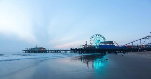 Santa Monica Pier při západu slunce