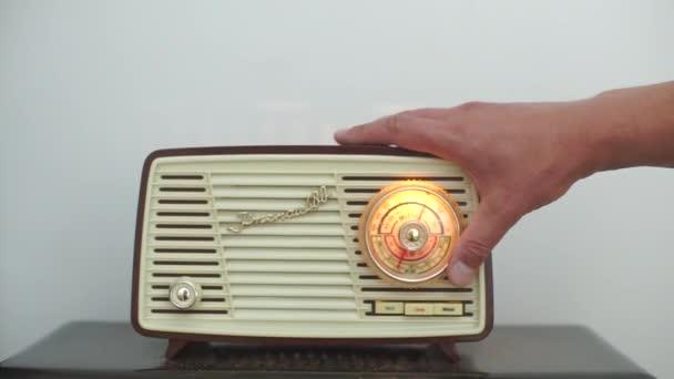 vzácná kopie rádia, muzeum rozhlasových přijímačů