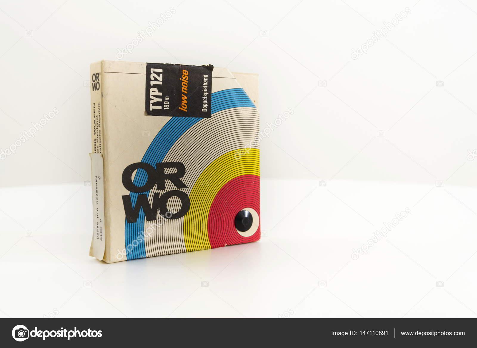 Orwo Vintage Bul Ses Kaydedici Teyp Beyaz Arka Plan üzerinde 17 Mart