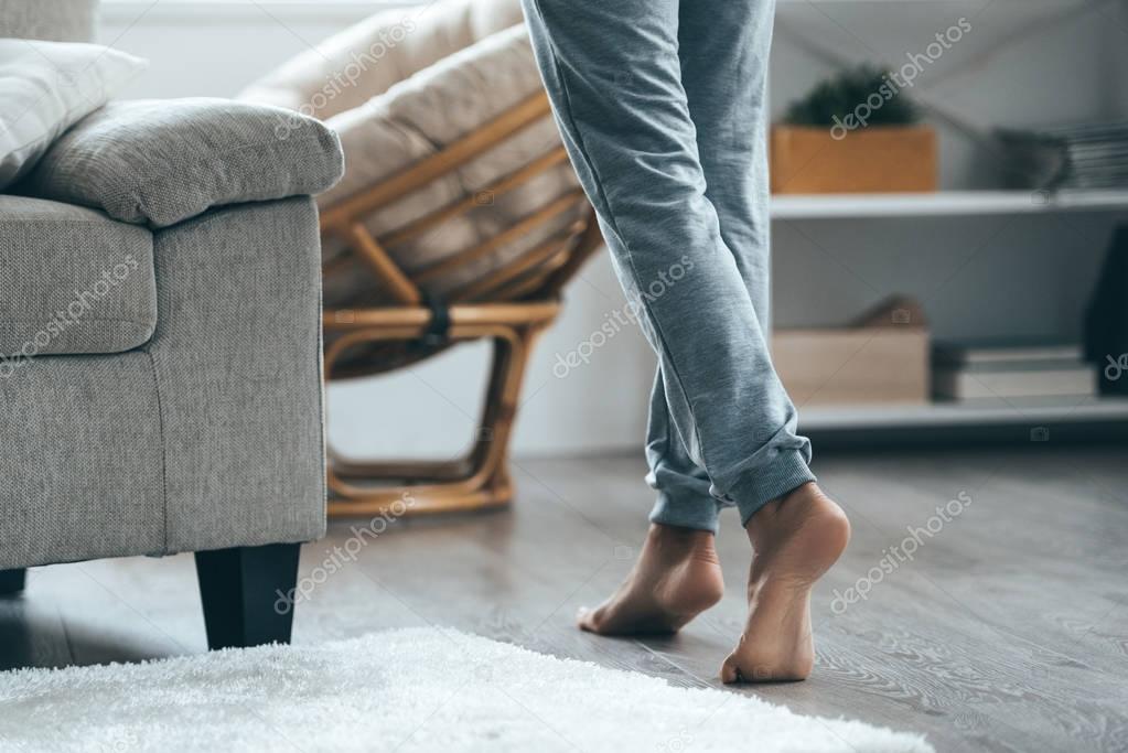 Female barefoot legs