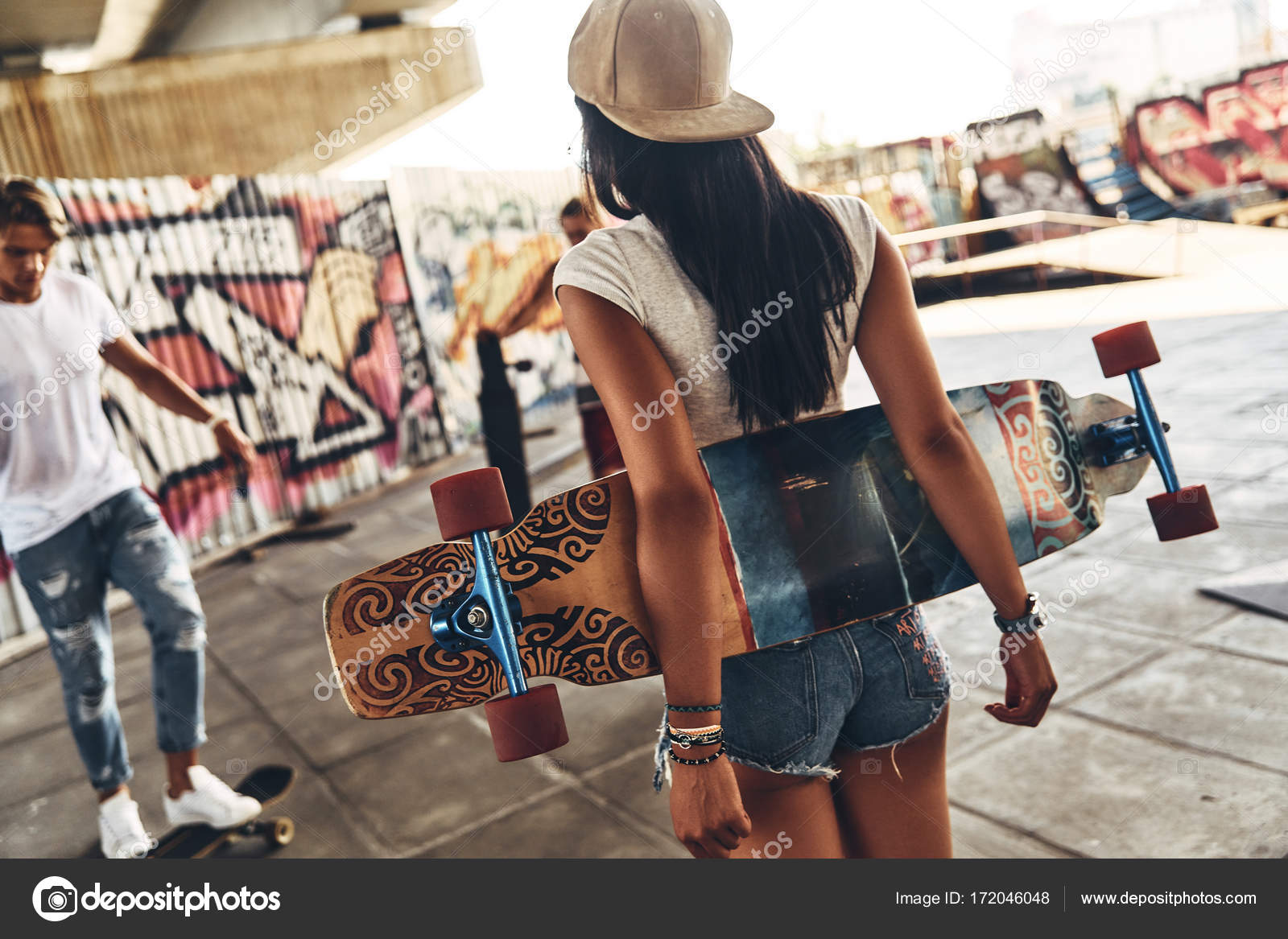 skater girl with friend — Stock Photo © gstockstudio  172046048 af50e0748