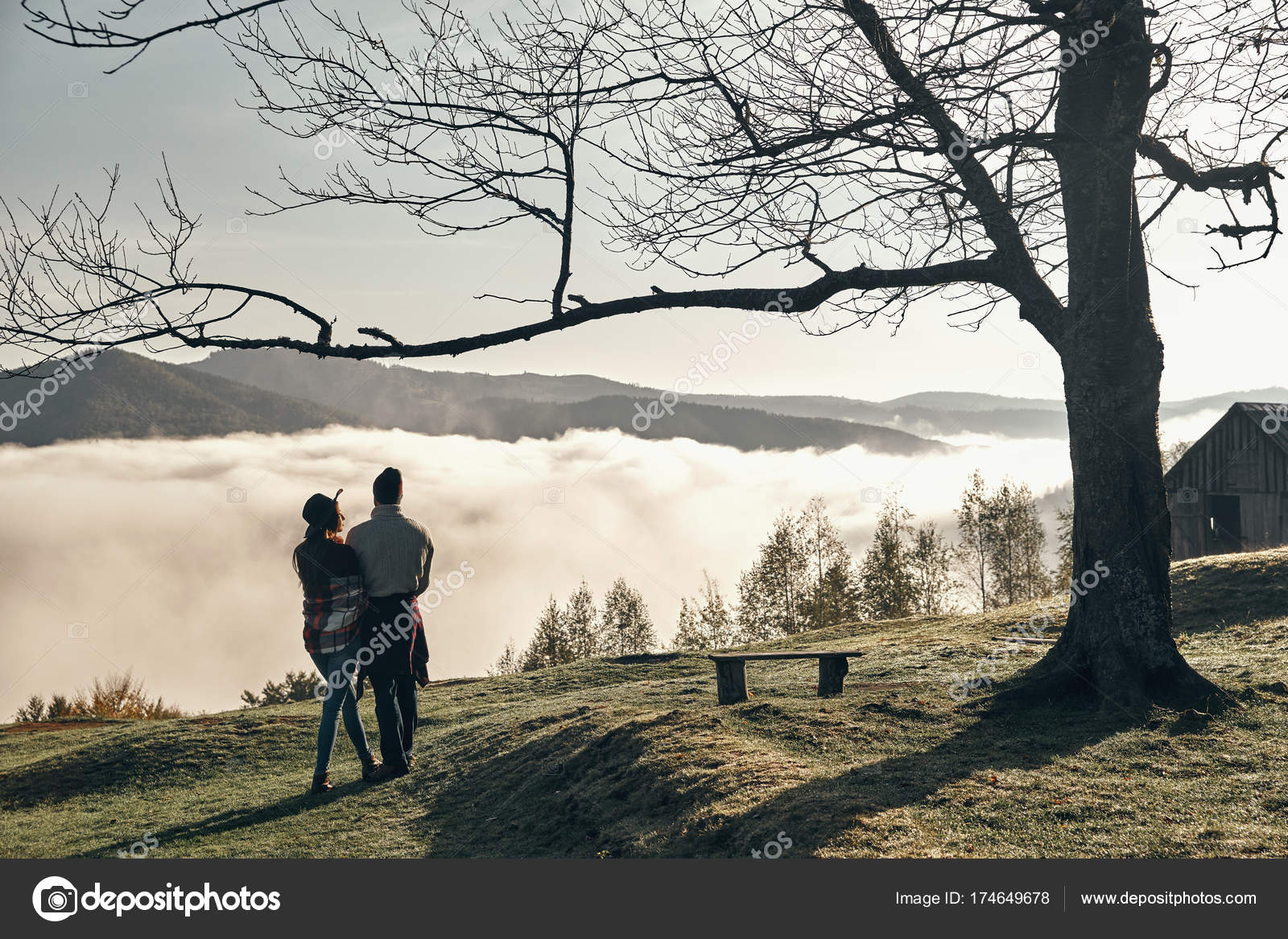 Couple De Voyageur Amoureux Fotos De Stock Gstockstudio