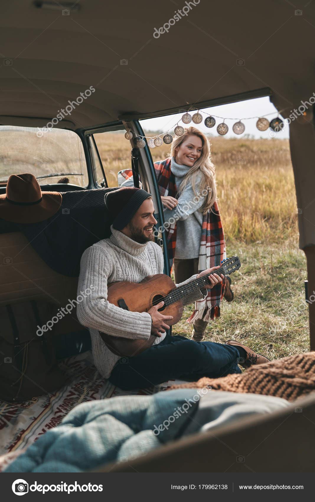 Lied über die Datierung einer älteren Frau