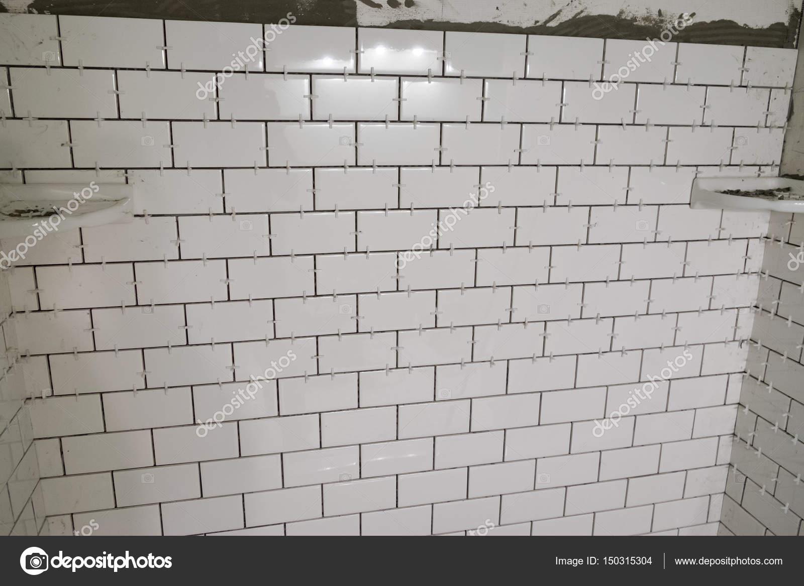 White Subway Tile Tub Surround — Stock Photo © joshuarainey #150315304