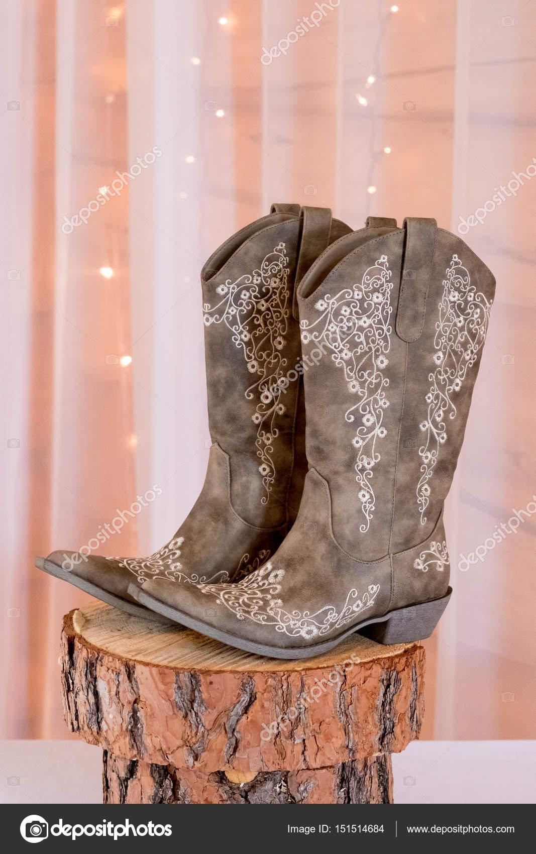 Bride Wedding Day Cowgirl Boots — Stock Photo © joshuarainey #151514684
