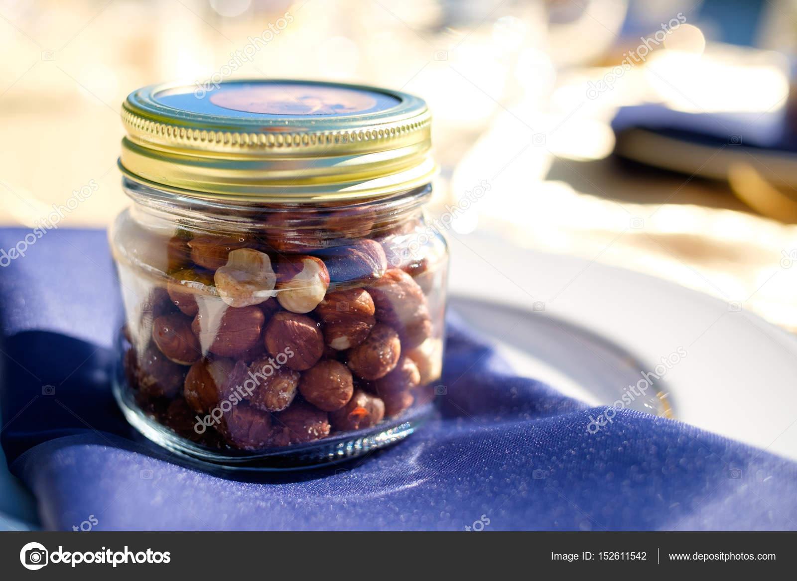 Haselnuss Hochzeitsgeschenke Stockfoto C Joshuarainey 152611542
