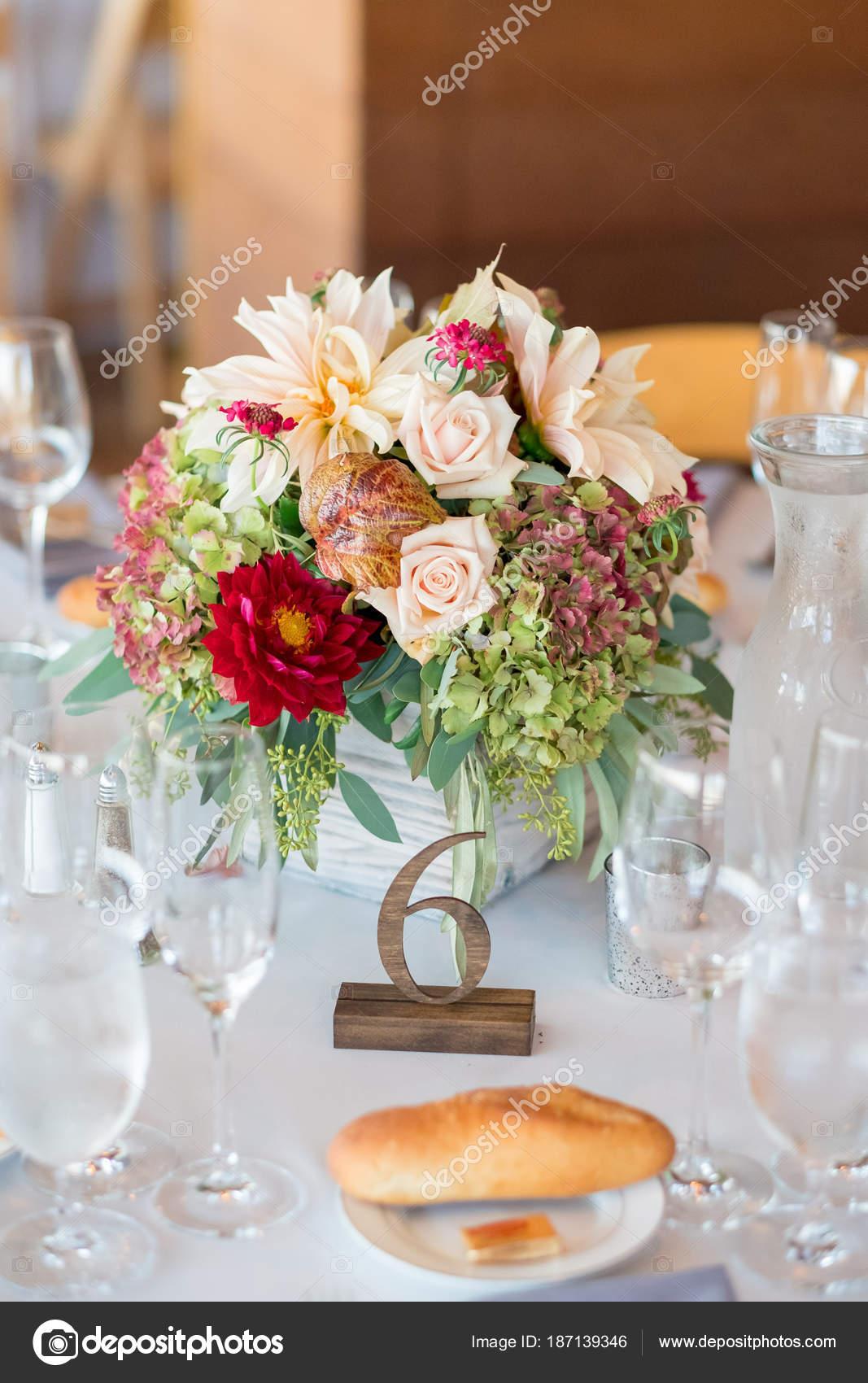 Herbst Hochzeit Blumen Herzstück Stockfoto Joshuarainey 187139346