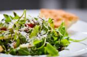 lahodný mix salát s čerstvými ingrediencemi