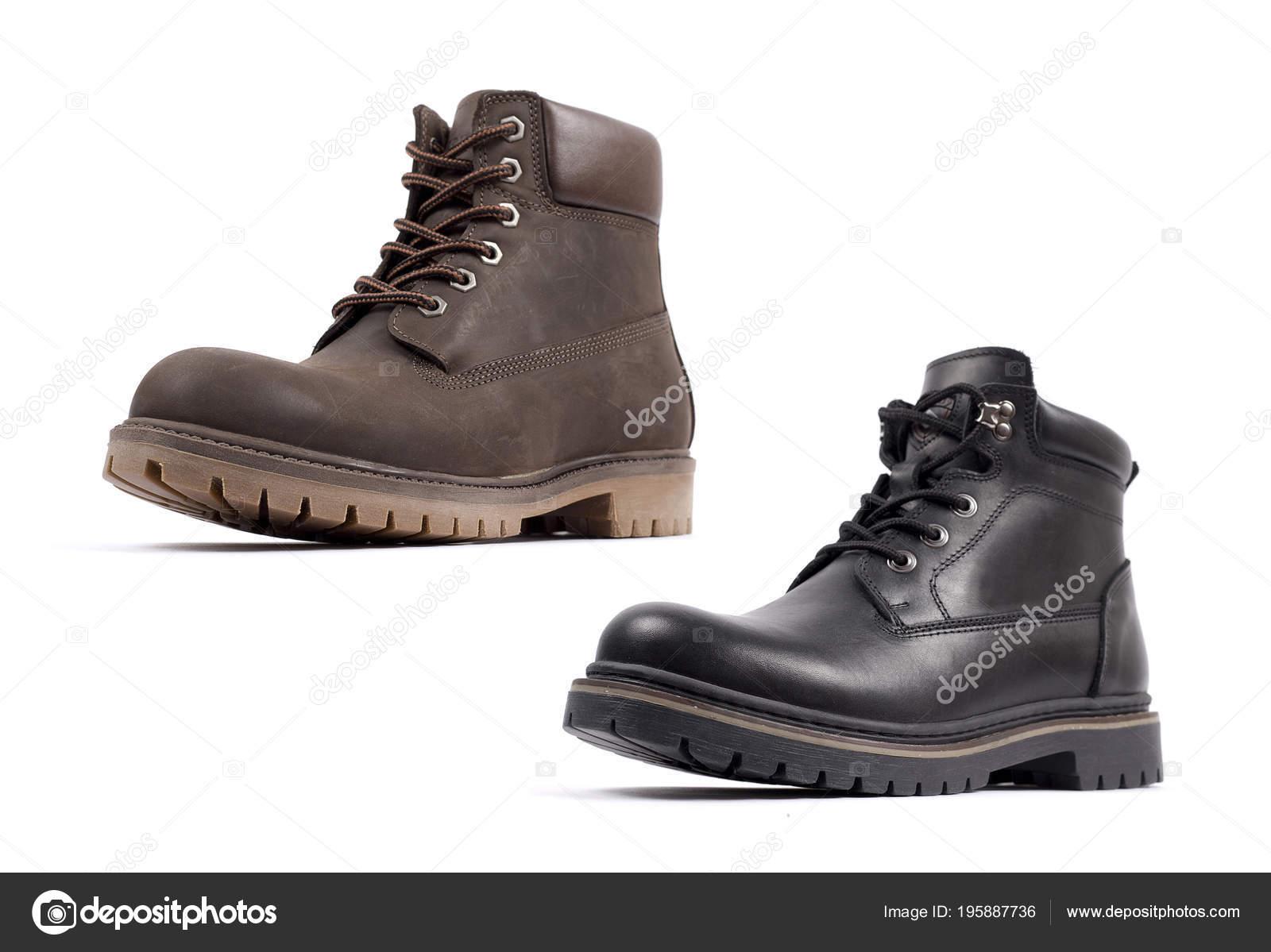 afa0356135 Closeup de zapatos para hombre de hermoso y cómodo invierno de aisladas  sobre fondo blanco– Imagen de Archivo