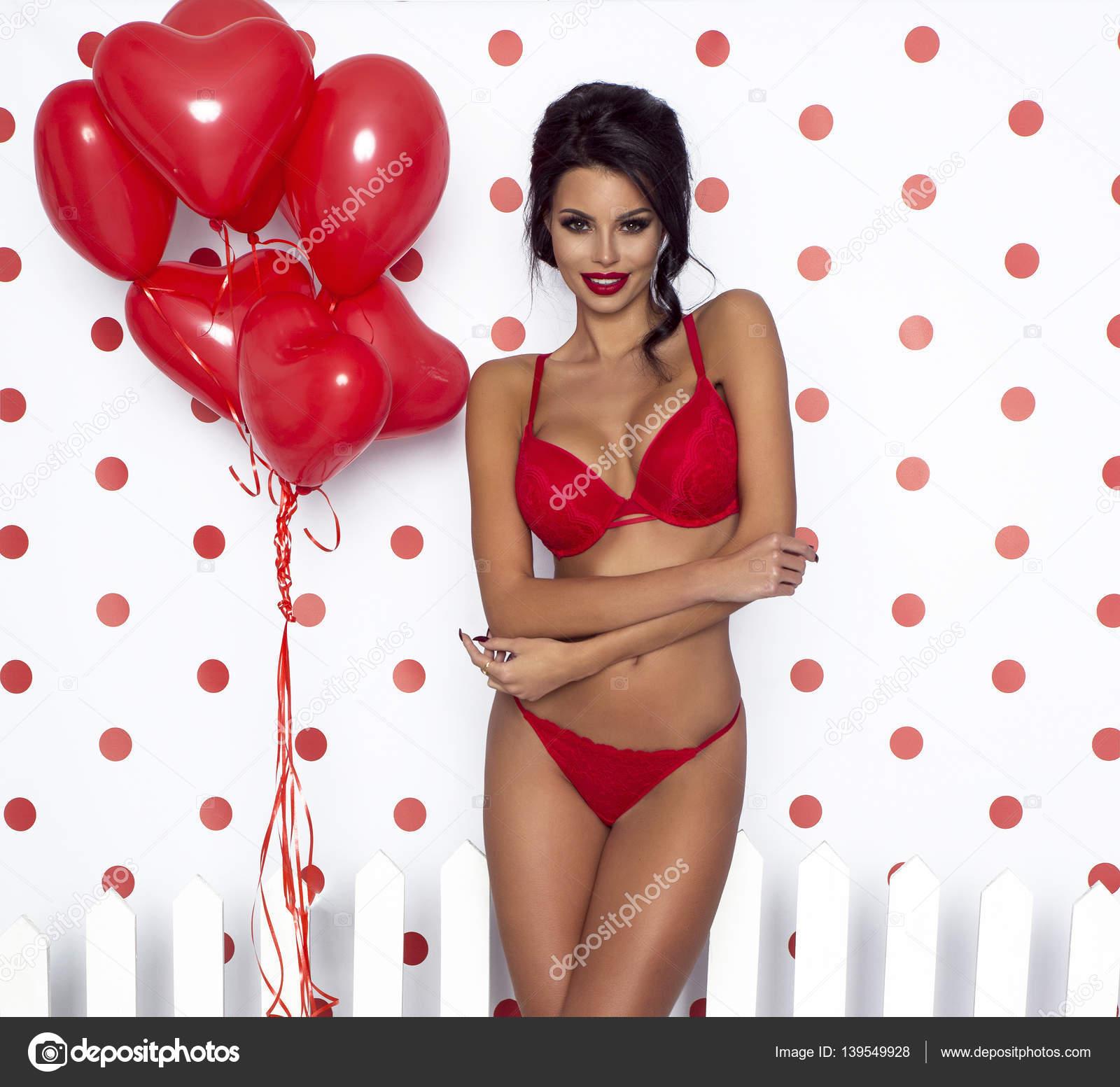 nackt-sexy-valentine-maedchen