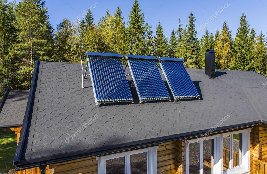 Solare Wasser Heizung U2014 Stockfoto