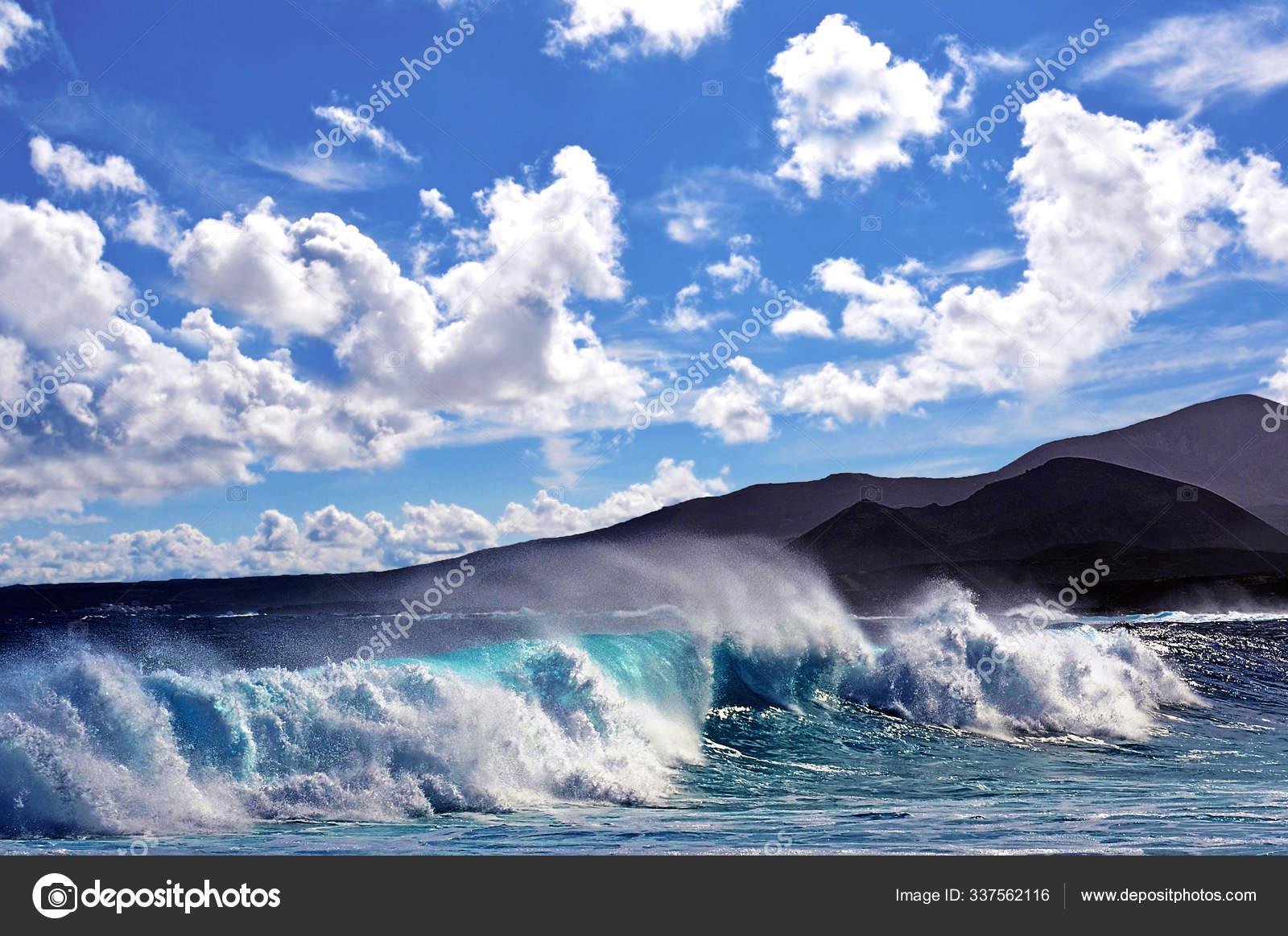Pemandangan Laut Yang Indah Stok Foto C Panthermediaseller 337562116