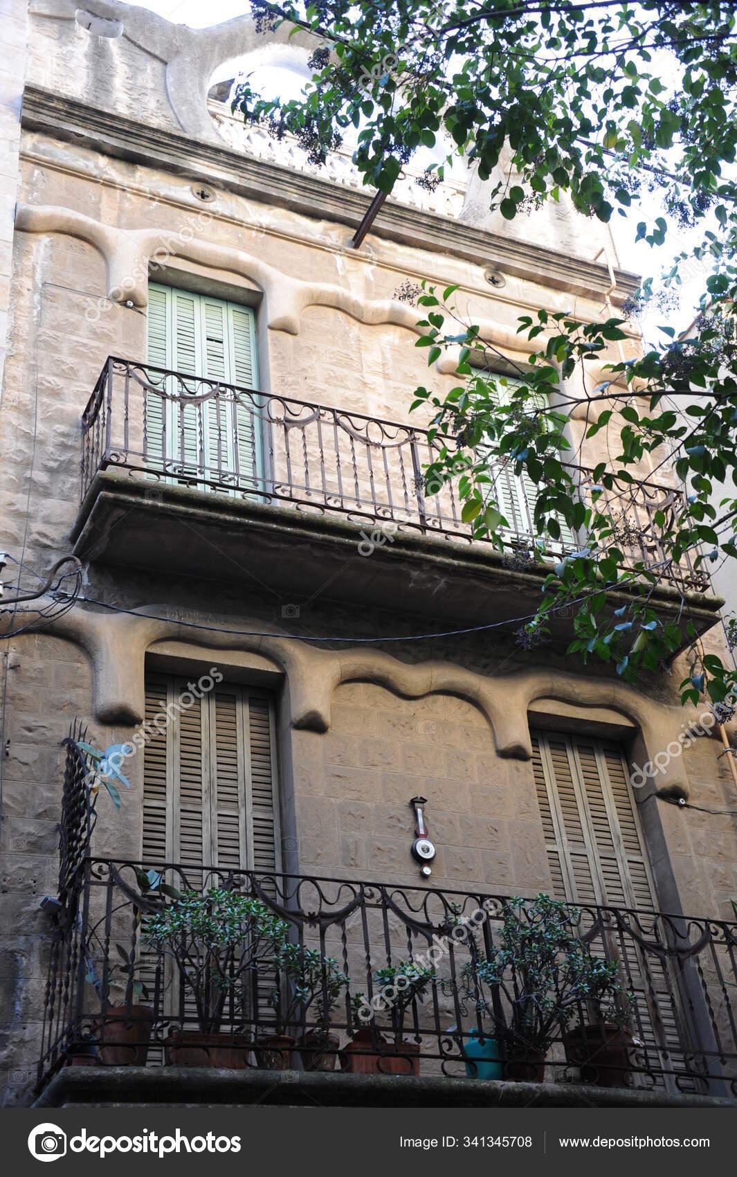 Arquitetura Espanha Cidade Barcelona Fachadas Casas Edificios Fotografia De Stock Editorial C Panthermediaseller 341345708