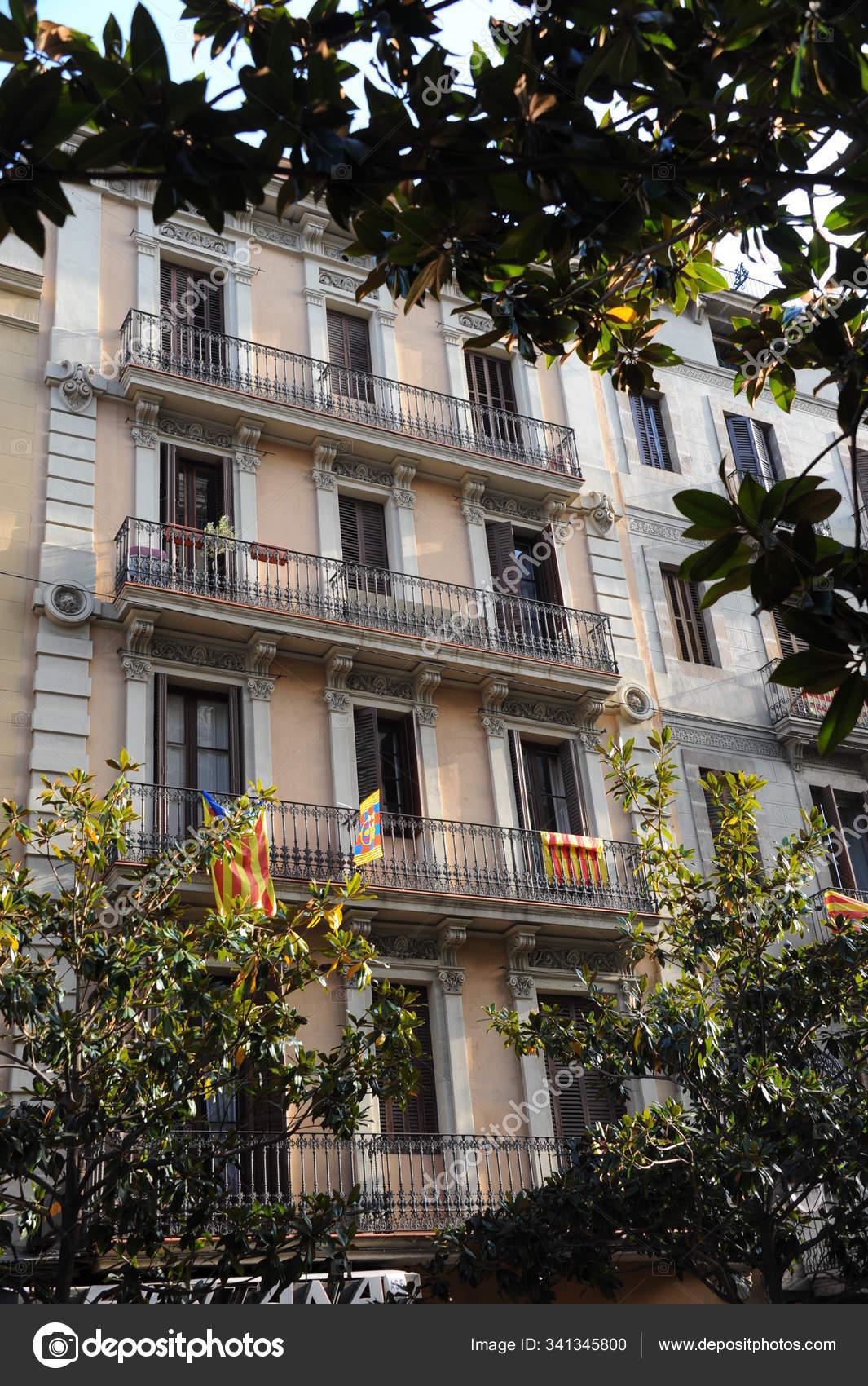 Arquitetura Espanha Cidade Barcelona Fachadas Casas Edificios Fotografia De Stock Editorial C Panthermediaseller 341345800