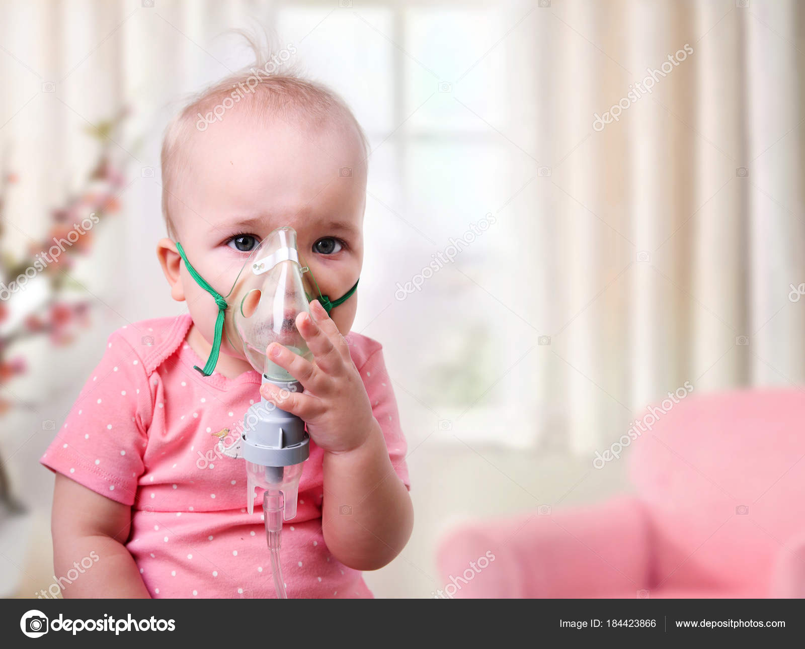 Face Inhalation On Nys child Photo Baby With Stock Mask © —