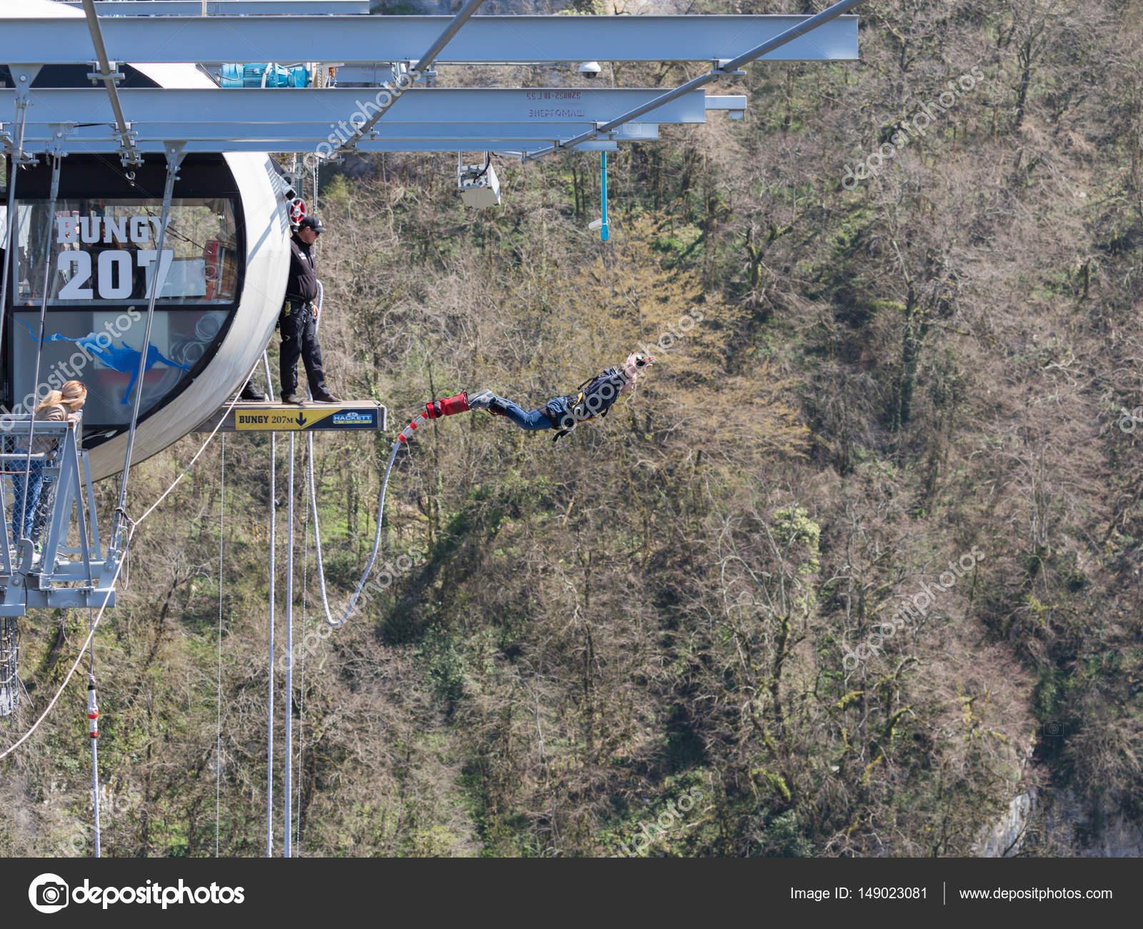 Flug Von Der Brücke Sotschi Redaktionelles Stockfoto Andreevaee