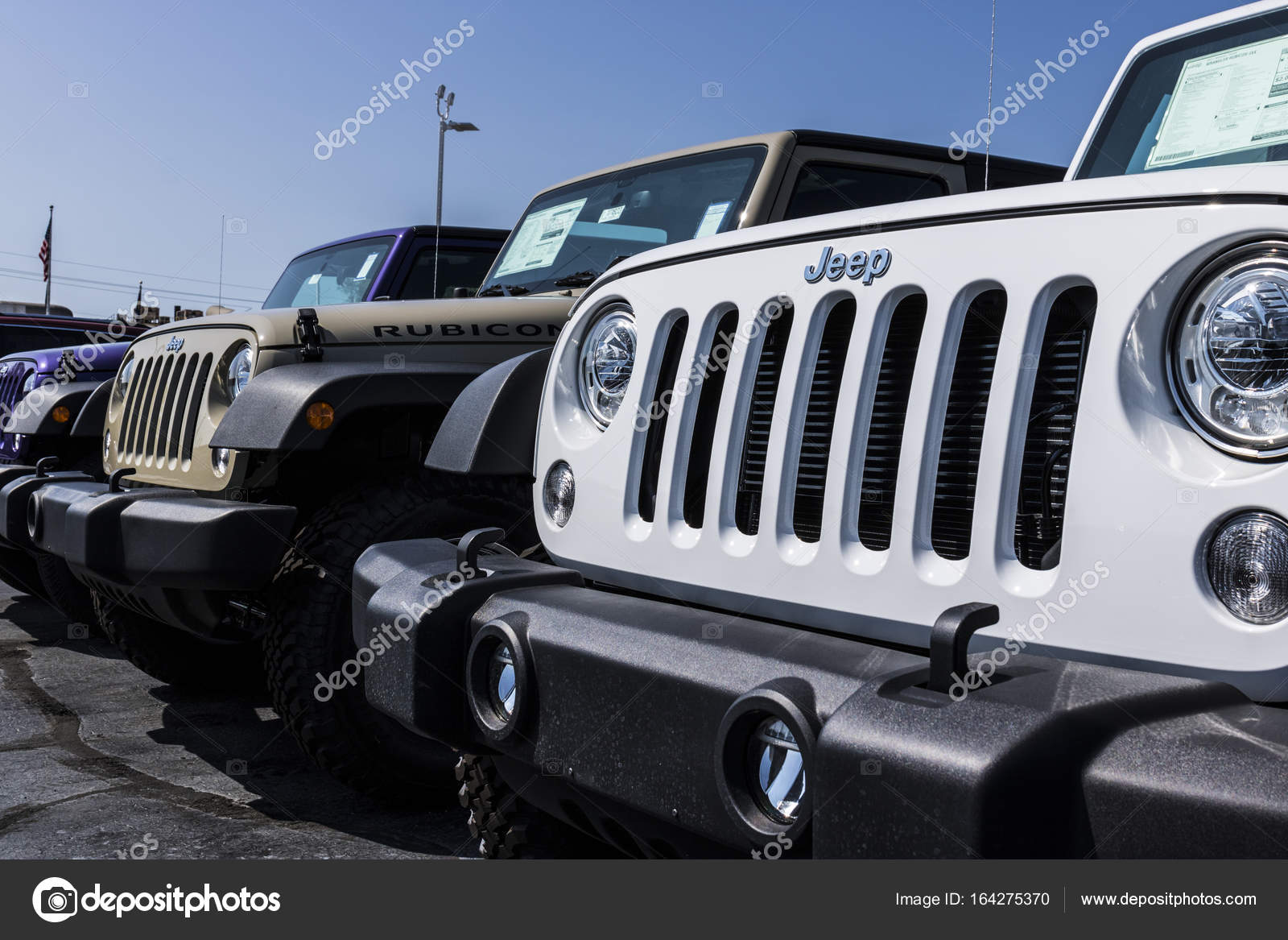 depositphotos fca company automobile photo noblesville chrysler parent the stock march dealership fiat dodge jeep automobiles of a is subsidiary circa