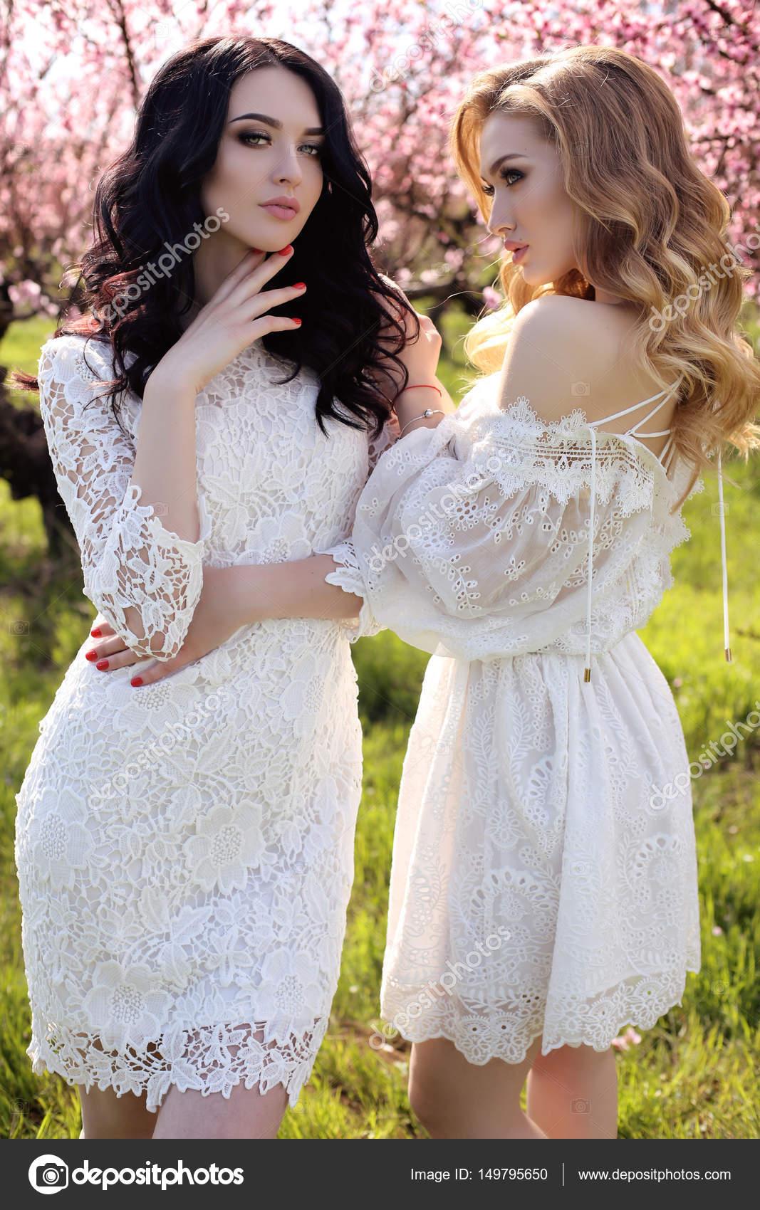 Vestidos de mujeres jovenes