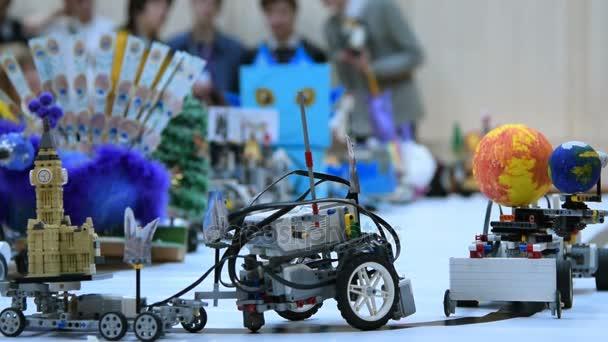 Roboti se žáci