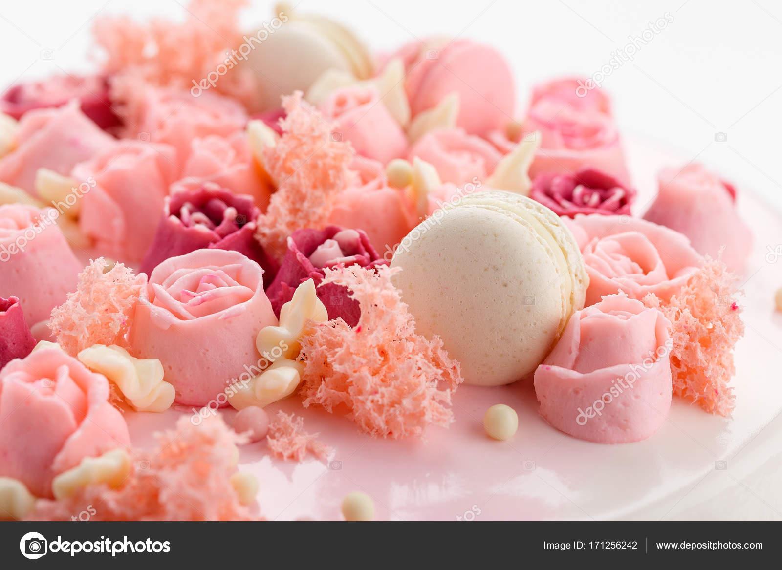 Closeup Rosa Creme Rose Blumen Dekoration Auf Glasierten Kuchen