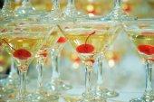 Gläser mit cocktails