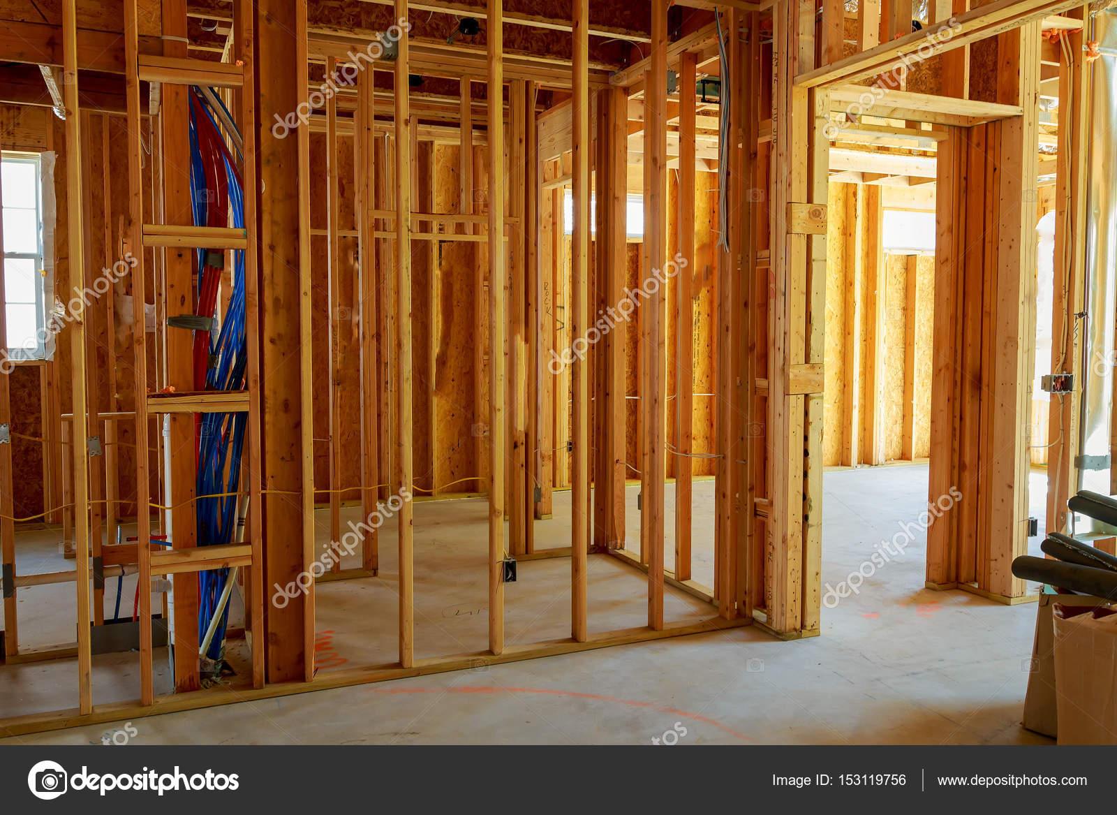 Gebäude oder Wohn Haus mit grundlegenden Elektroinstallation ...