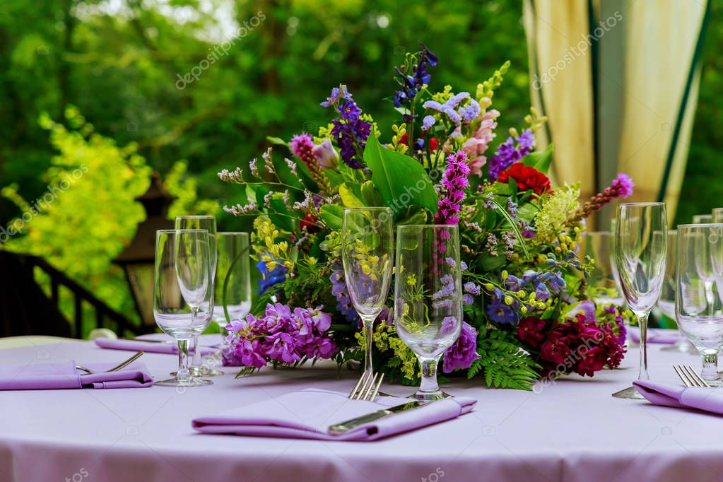 beautifully served table in a restaurant photo of professional restaurant serving