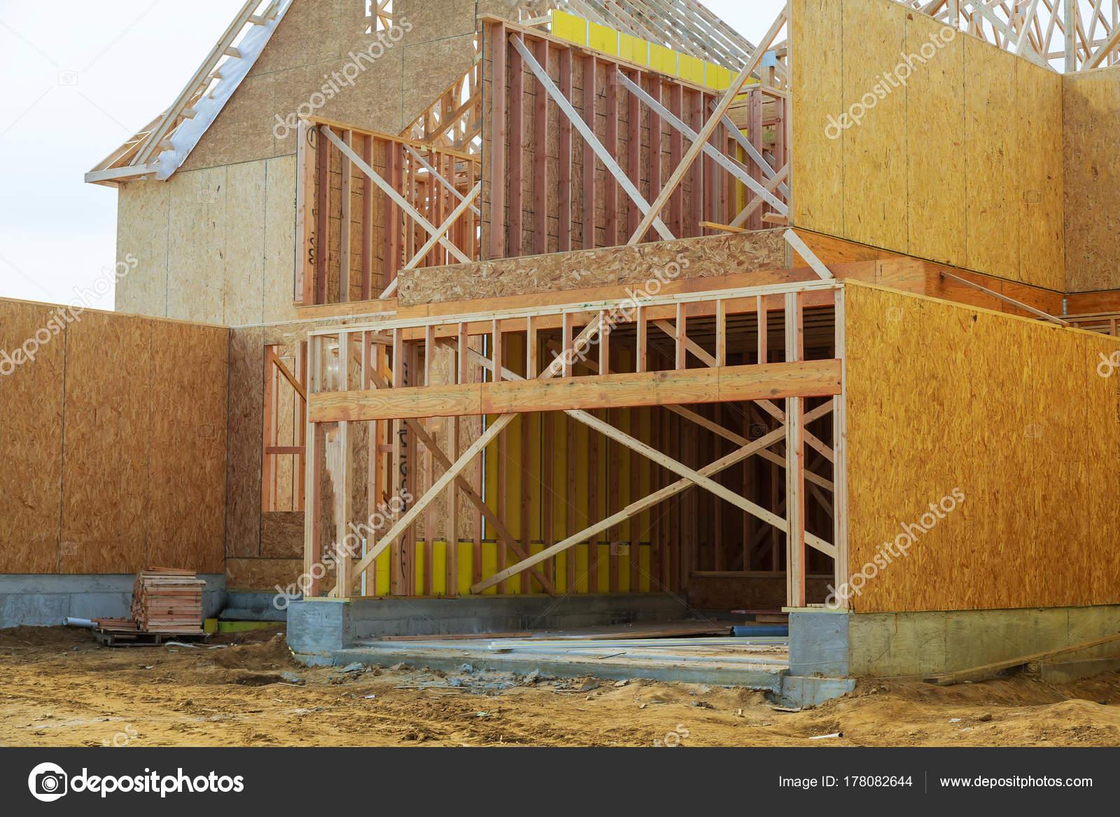 encuadre casa de nueva construcción residencial — Fotos de Stock ...