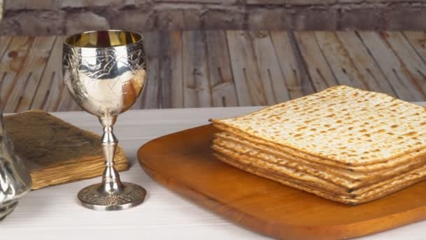 Passover Seder Plate with The seventh symbolic item used during the seder  meal on passover Jewish holiday. — Stock Video © photovs #186049126