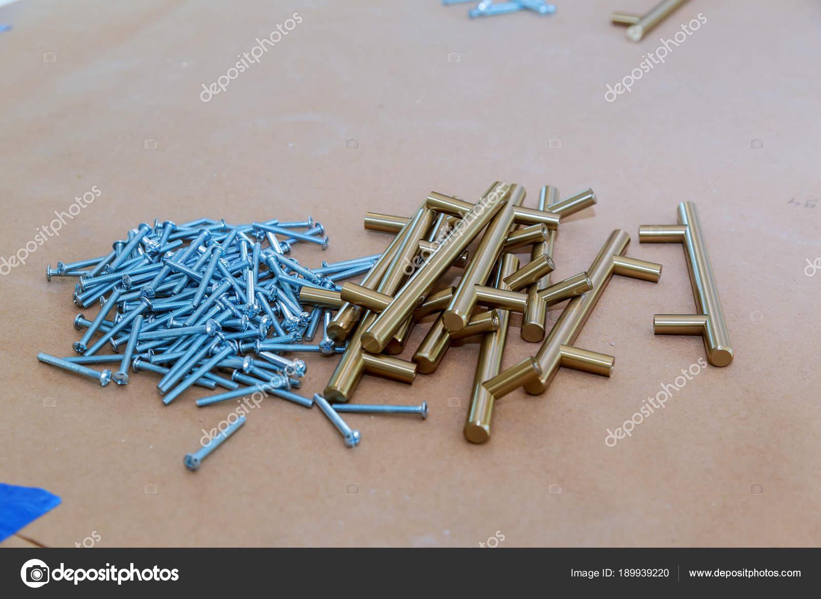 Accessori per mobili da cucina. maniglie per mobili da ...