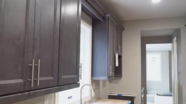 Home Vylepšení Kuchyně Remodel pohled nainstalován v nové kuchyni