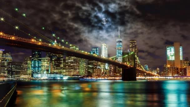 Ohňostroje nad New York City Brooklyn Bridge panorama oslavy 4. července Den nezávislosti