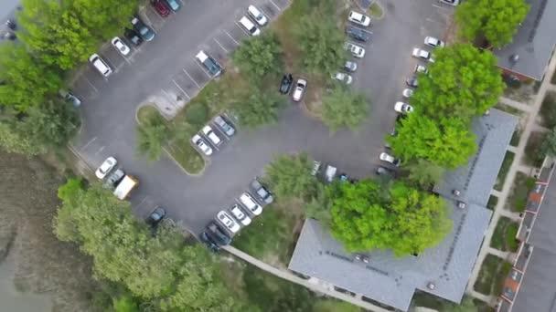 Vzdušné horní pohled na městské krajiny střechy okolí s domy