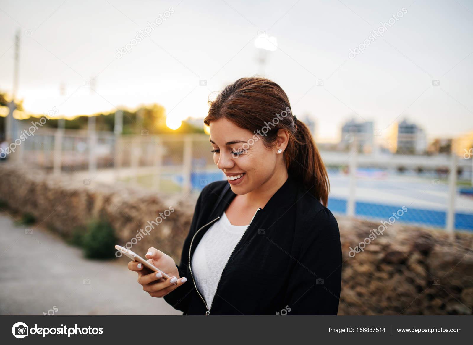 Телефон девушек в контакте