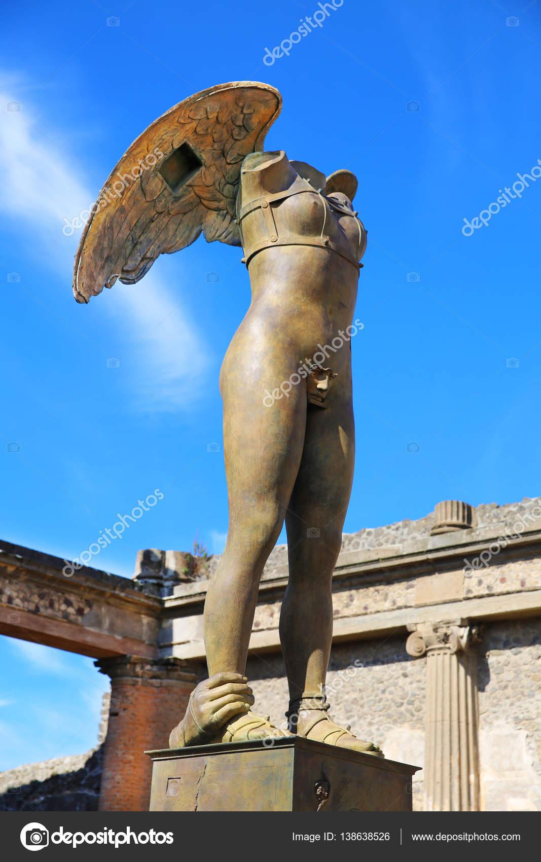 イタリアのポンペイの古代町の現代彫刻のアートワーク - ストック編集 ...