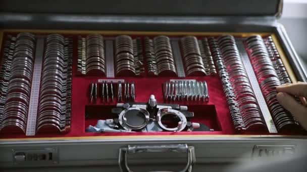 Staré retro optik Dioptrická nástroj v laboratoři optik