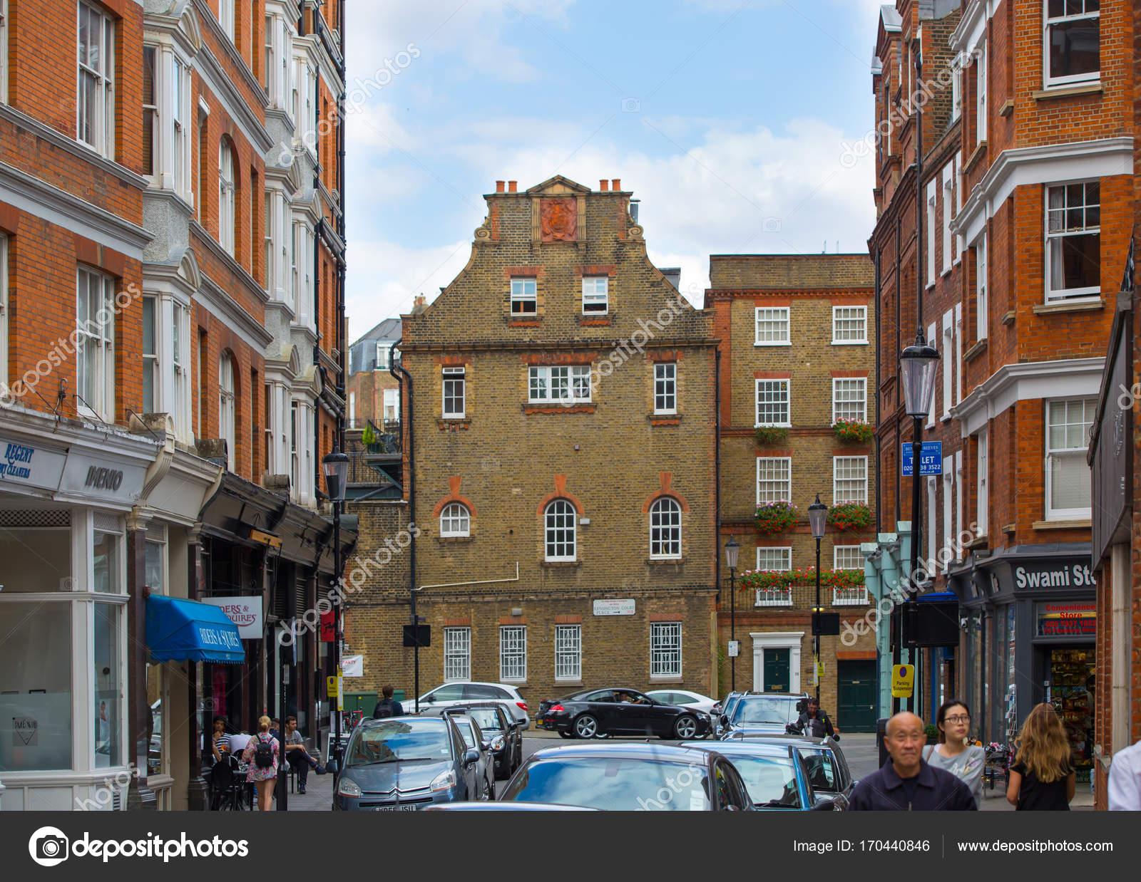 https://st3.depositphotos.com/2963315/17044/i/1600/depositphotos_170440846-stock-photo-luxury-apartment-buildings-in-kensington.jpg