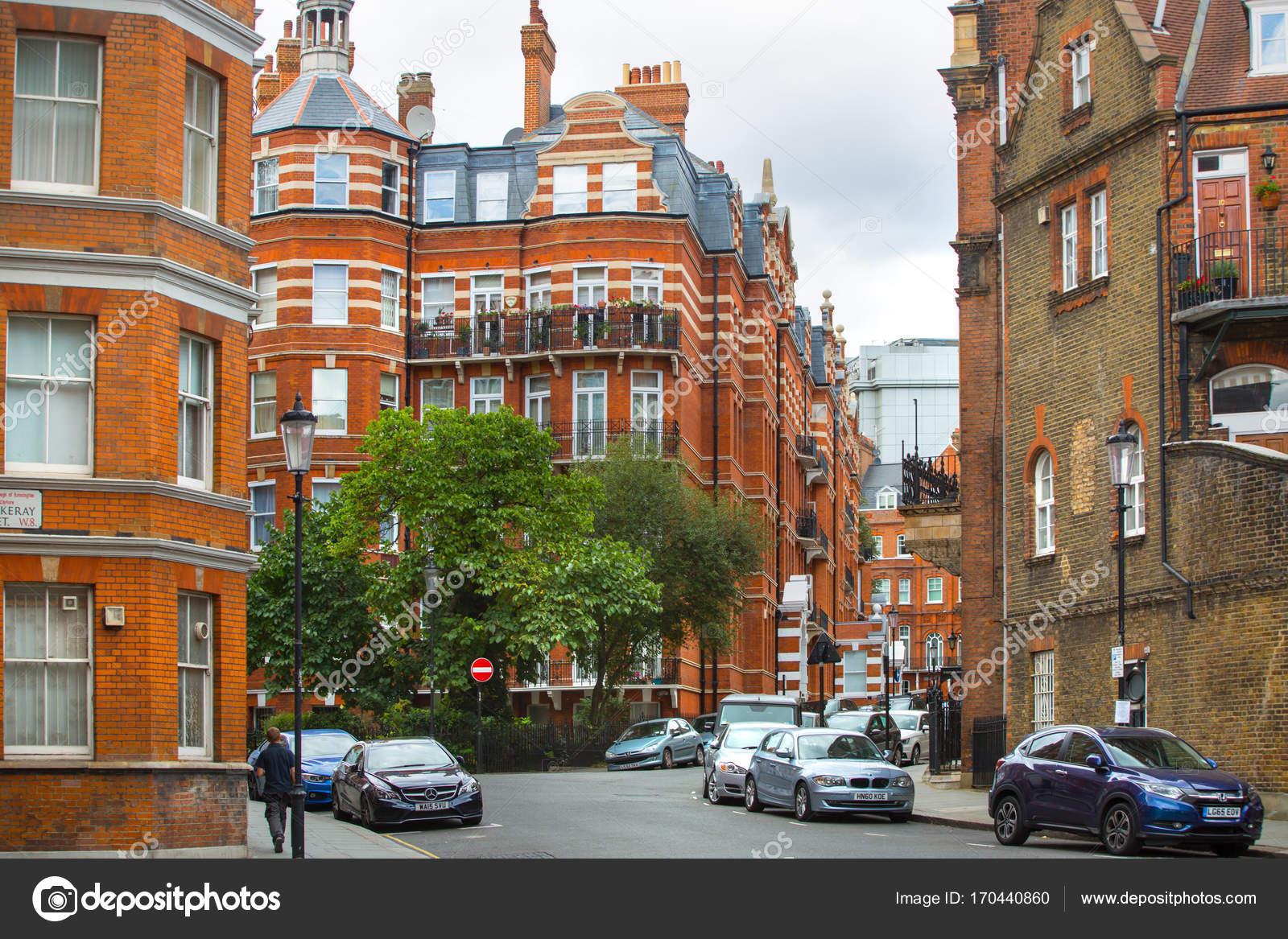 https://st3.depositphotos.com/2963315/17044/i/1600/depositphotos_170440860-stock-photo-luxury-apartment-buildings-in-kensington.jpg