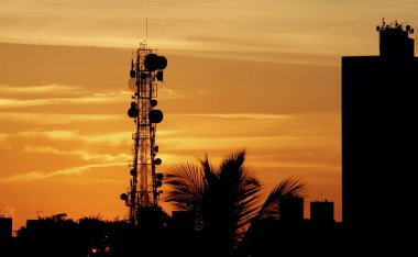 cell phone tower and tv channels