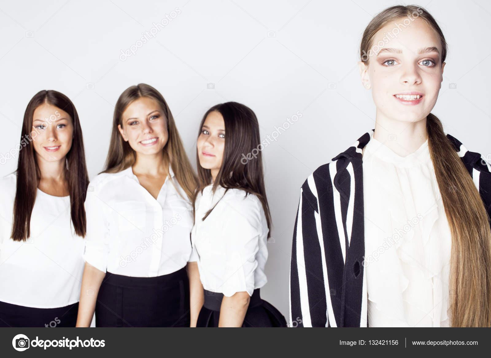 Успех девушек у молодых людей