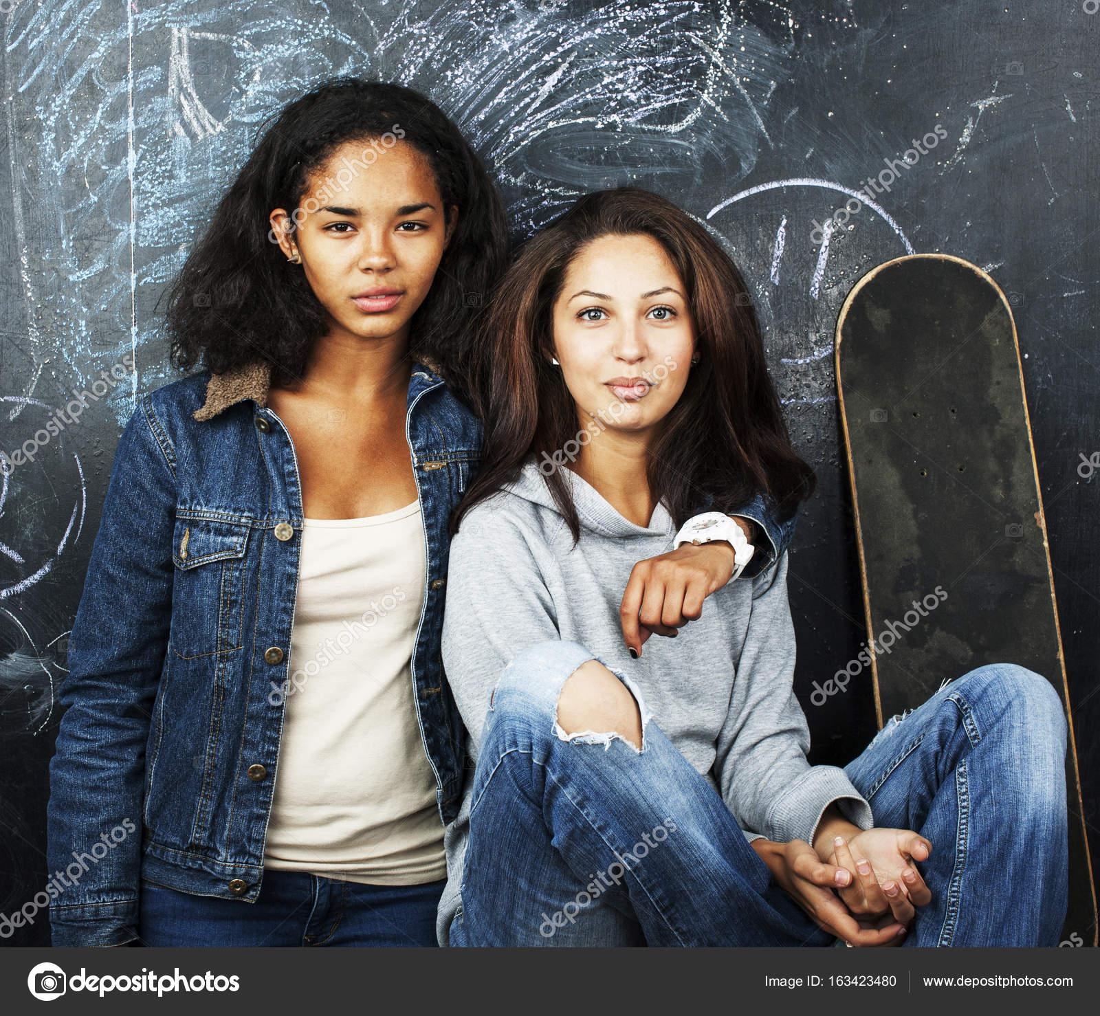 Teen φωτογραφίες κορίτσια νεαρό μαύρο λεσβιακό σεξ