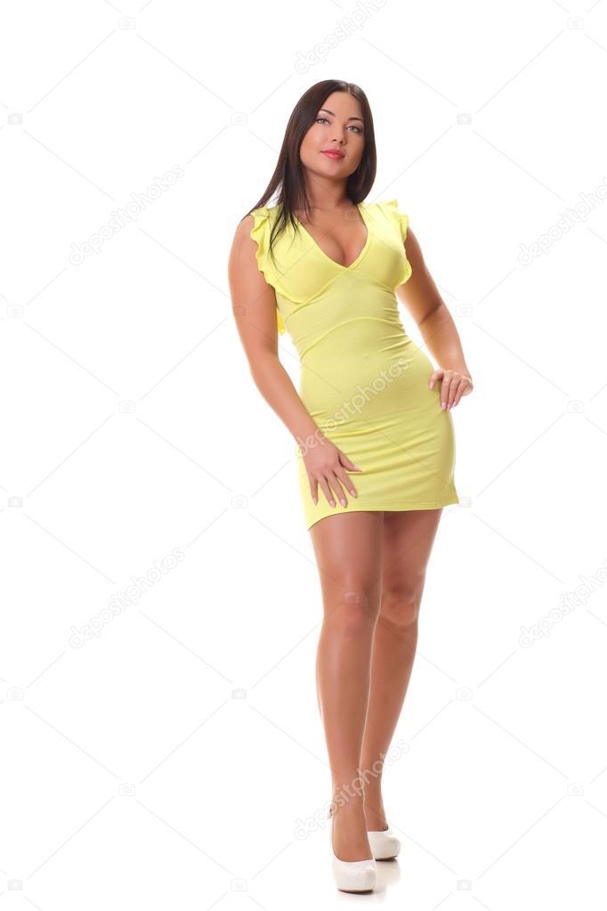 Mujer vestida de amarillo