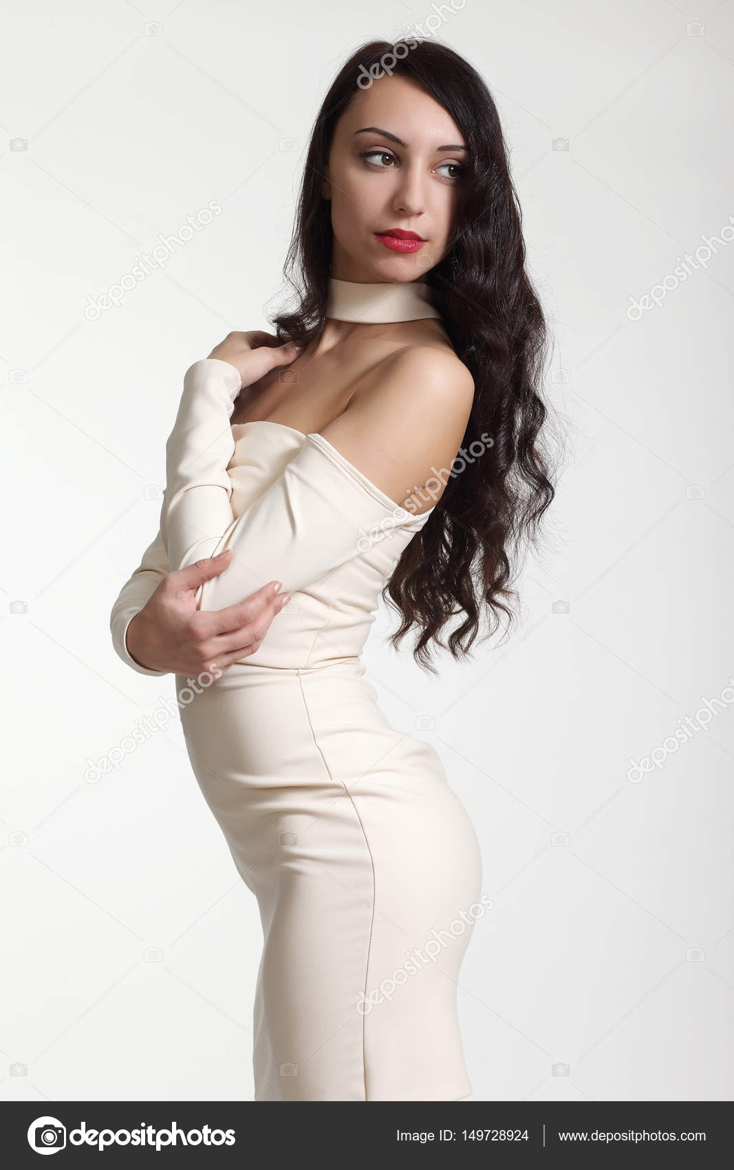 dbabdaf25 mujer hermosa en un vestido sexy — Fotos de Stock © zhagunov  149728924