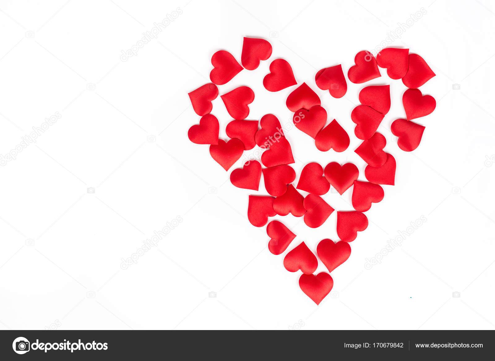 Corazón Hecho De Corazones Rojo Aislado Sobre Fondo Blanco Fotos
