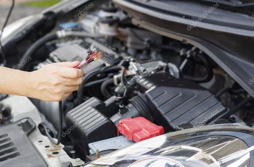 Elektriciteit Draad In De Auto Stockfoto C Weerapat 126317654