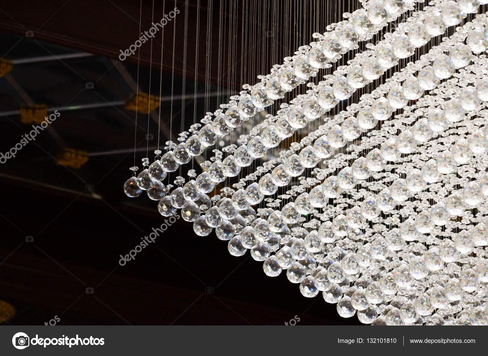 Kronleuchter Quadratisch ~ Kronleuchter mit lichtern im billardstil idfdesign